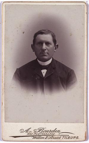 004303 - Laurent FENS, armmeester.