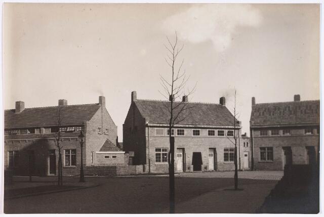 028152 - Woningen aan de Ruyterstraat en de Pastoor Smitsstraat