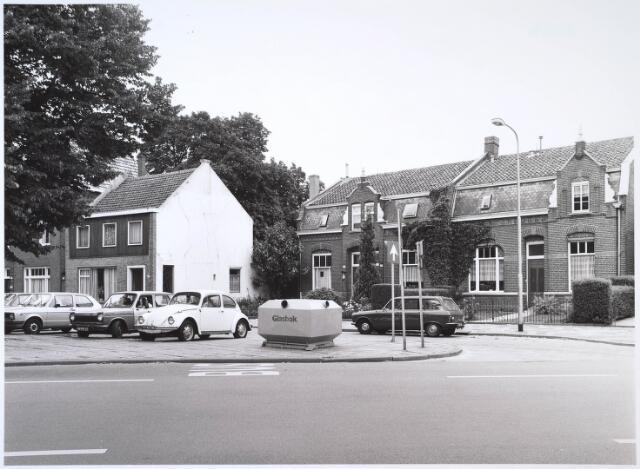 024618 - Zuidzijde van het Korvelplein omstreeks 1982