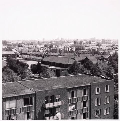 "036713 - Panorama van Tilburg vanaf de torenflat ""Vredeburcht """