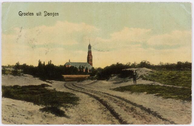 055397 - De natuurlijke toegang tot de gemeente Dongen vanaf de Turkenberg (thans Wilhelminaplein).  De 2e St. Laurentiuskerk, waarbij de toren ontworpen is door architect P.J. van Genk.