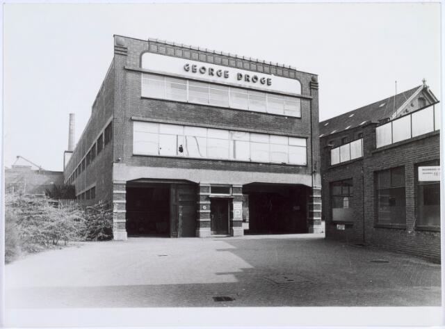 019223 - Textielindustrie. Voorzijde van wollenstoffenfabriek George Dröge, gevestigd in het voormalige complex van C. Mommers