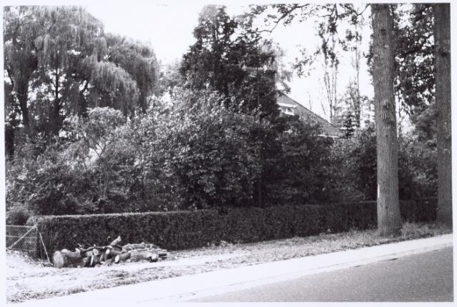 016427 - Tuin voor een villa aan de Bredaseweg