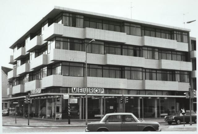 031137 - Schouwburgring. Opening nieuwe zaak firma Meurop.