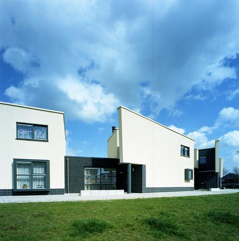 D-00661 - Woningen aan de Munnekeburenstraat in de reeshof (architect Luijten/Smeulders)
