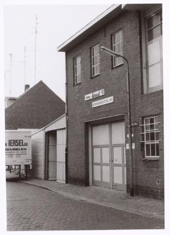 017273 - Magazijn van woninginrichting Van Iersel aan de Capucijnenstraat anno 1977