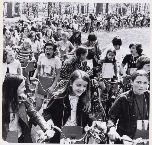101211 - Een fiets-orientatie-rit op Koninginnedag