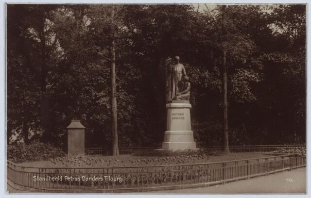 002808 - Beeld van Petrus Donders aan het Wilhelminapark.