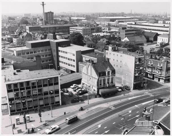036389 - Panorama van Tilburg vanaf de toren van de Heuvelse kerk.