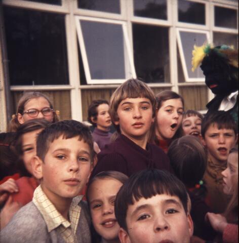 650171 - Gerardus Majellaschool, Hulten. Sinterklaas.