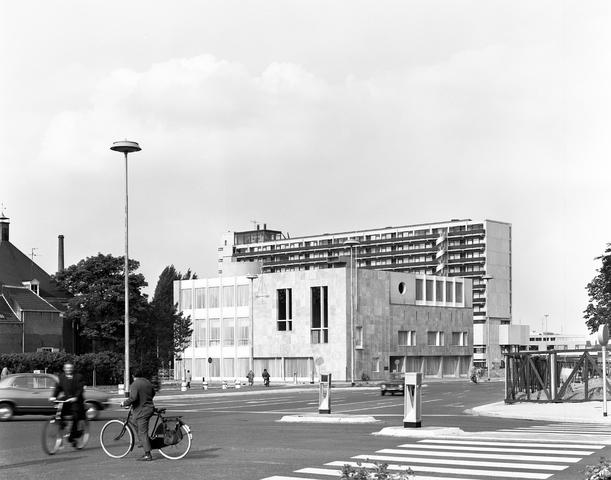 D-00748 - Kantongerecht van Tilburg (architect Jos Bedaux)