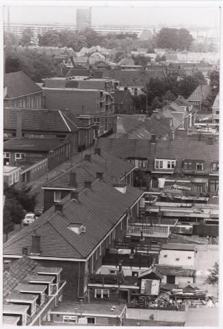 036686 - Panorama van Tilburg vanaf de flat aan de Gen. Smutslaan (Heineken)