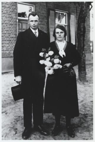 056023 - Huwelijk van Piet Versteijnen en Cato Smolders in 1934 te Esbeek