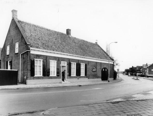 1238_F0351 - Boerderijen. Boerderij aan de St. Jozefstraat, Tilburg.
