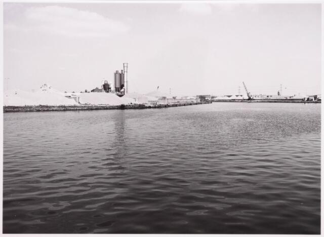 034811 - Industriehaven aan het Wilhelminakanaal