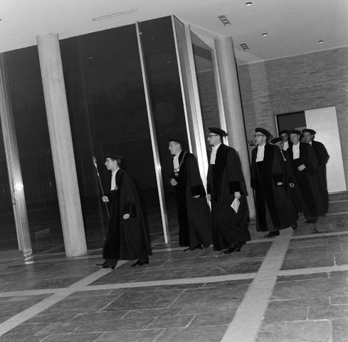 1237_013_058_001 - Katholieke Hogeschool Tilburg. Rede door professor van Klundert 1964