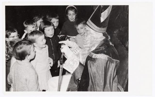 038836 - Volt.Zuid. Ontspanning. Sint Nicolaas op bezoek bij Volt in ca. 1960. Sinterklaas. St. Nicolaas