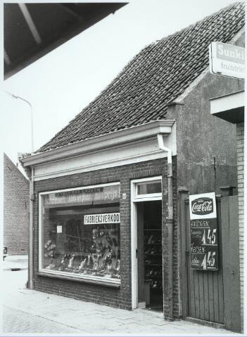 031213 - Smidspad. Schoenenwinkel.