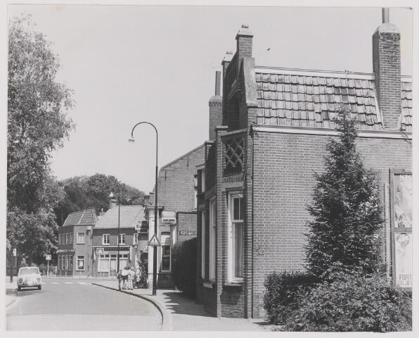 082389 - Gilze, Kerkstraat. woningen in het centrum van Gilze die inmddels gesloopt zijn