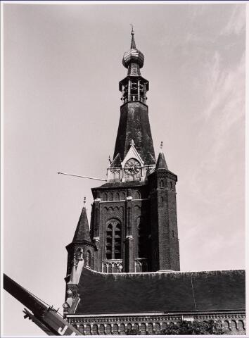 036054 - Stadhuisplein. Gedenknaald Obelisk. (toren Heikesekerk)