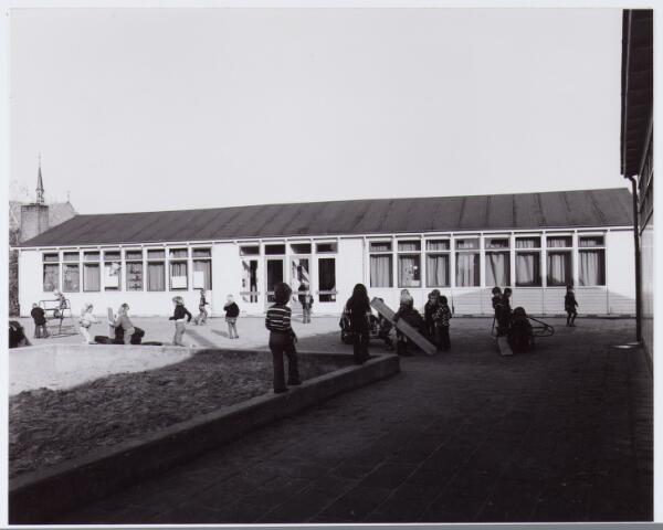 062864 - Onderwijs. Noodlokaal voor de kleuterschool aan de Klaproosstraat