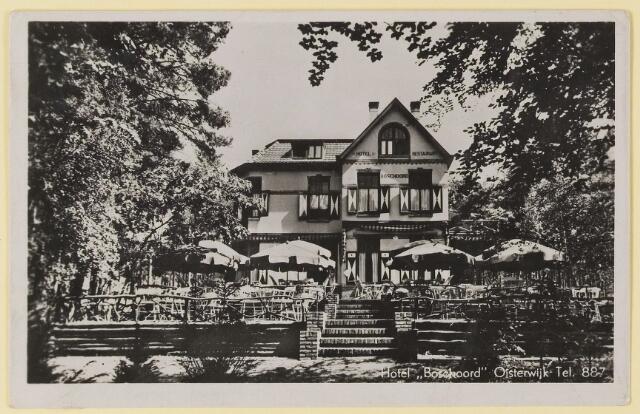 """073766 - Hotel """"Boschoord"""" gelegen aan de Gemullehoekenweg."""