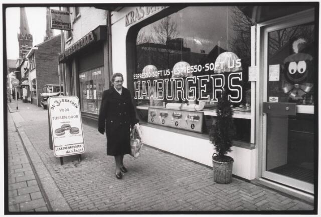 033574 - Voorgevels van de winkelpanden: Stomerij aan de Tuinstraat 14 en Kras Snack Shop aan de Tuinstraat 16
