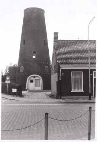 016588 - Restant van de molen van de meelfabriek Schraven - Eijsbouts.