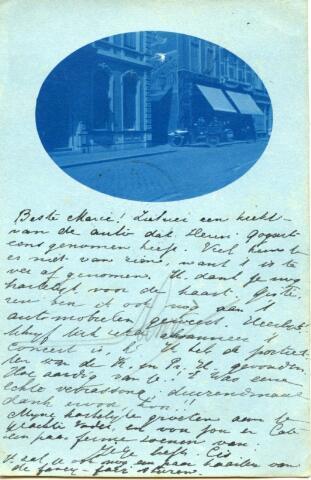602470 - Brands van Vlijmen, Tilburg, Heuvelstraat 33. Foto op de briefkaart is genomen door Henry Coquart en gestuurd aan mej. Marie van Vlijmen in Schijndel. Op de foto is het pand nr. 33 te zien dat bewoond werd door de familie Bart Brands tot 1930. Daarna werd het door Vroom & Dreesman gebruikt als opslagruimte en in 1934 werd het gesloopt om plaats te maken voor een woonwinkel van V & D.
