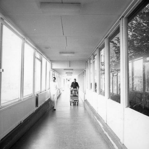 655745 - Elizabeth Ziekenhuis locatie Jan van Beverwijckstraat Tilburg in 1981.