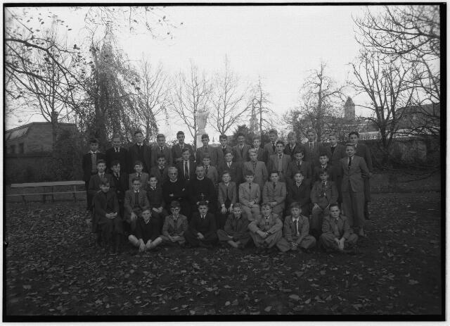 050979 - Hoger onderwijs. Klassenfoto. Klas van de kweekschool van de fraters, St. Stanislaus, aan de Fraterstraat 3.