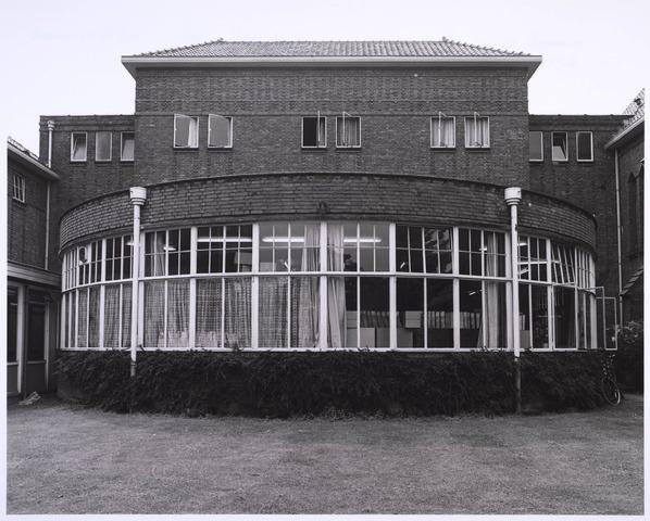 022982 - Elisabethziekenhuis. Gezondheidszorg. Aula van het St. Elisabethziekenhuis, thans het theatercafé behorende bij het Klassetheater (voorheen Carré Zaal 16)