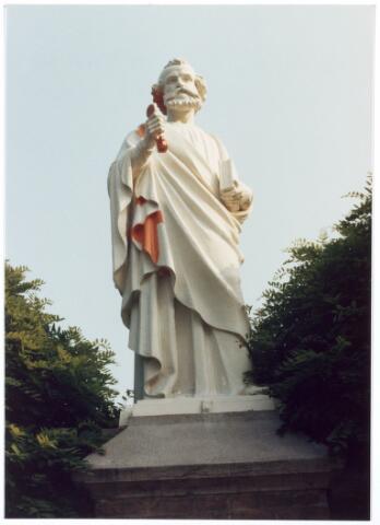 016062 - Beeld van St.-Petrus van het kerkhof aan de Bredaseweg