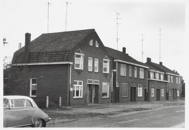 034065 - Panden aan de Jac. van Vollenhovenstraat, voorheen Heikantsebaan