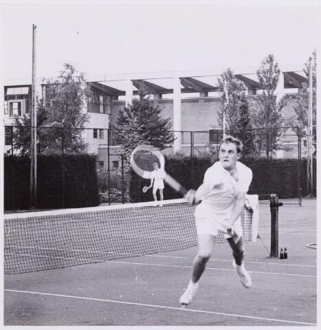 053983 - Sport. Tennis. Tennisbaan aan de Goirleseweg in het Sportpark;