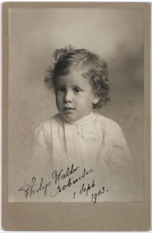 004450 - Philip Walter ROBINSON, op 1 sept. 1903 gefotografeerd in New York. Zoon van Julie Robinson-Herckenrath, kleinzoon van Walter Herckenrath en Julie van Dooren.