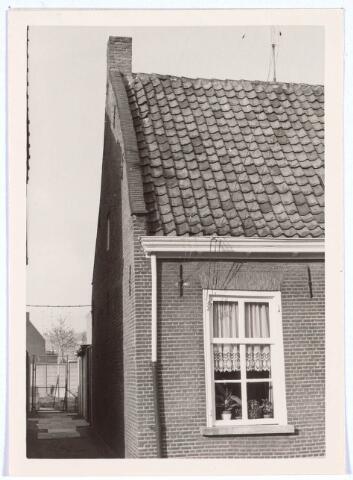 020422 - Pand Hasseltstraat 96 halverwege 1965. Het werd gesloopt in 1976 en op deze plaats staat nu een kantoorgebouw