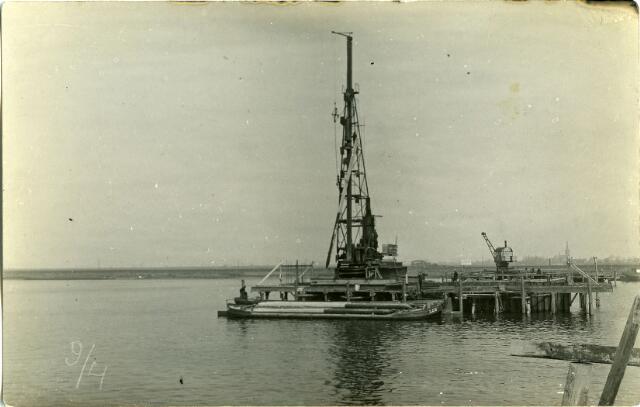 604829 - Aanleg van de brug bij Keizersveer