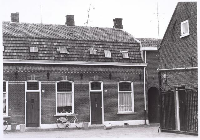 014295 - Panden St.-Annastraat 32 (links) en 34 (rechts)