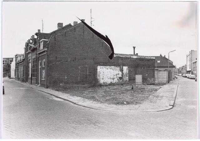 017120 - Spie Capucijnenstraat (links) en Meelstraat anno 1981