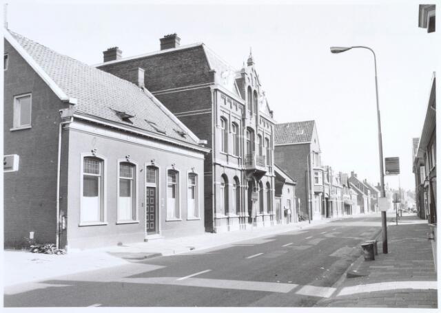 019561 - Goirkestraat gezien in de richting van het Julianapark