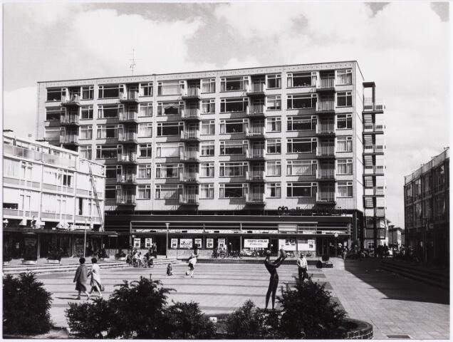 034553 - Een deel van het winkelcentrum Westermarkt; architect J. Strik
