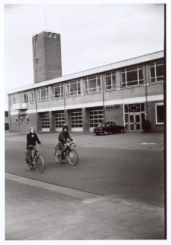 017779 - Brandweerpost aan de Dr. Deelenlaan. Thans is er Omroep Brabant in gehuisvest