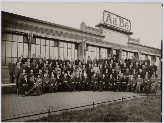 037490 - Textiel. Excursie naar de AaBe-Wollenstoffen- en wollendekenfabrieken N.V.