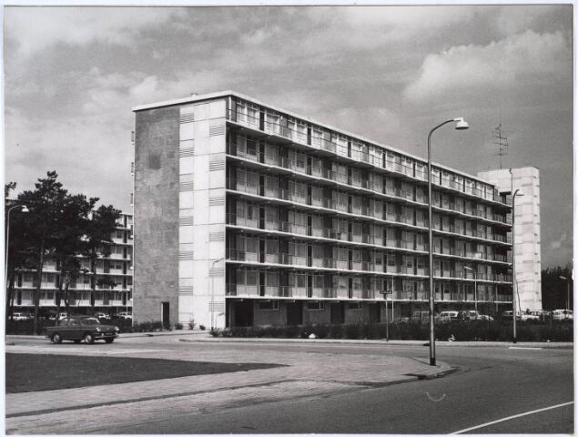 024816 - Flatgebouw aan de Kruidenlaan, een ontwerp van architectenbureau Maaskant, Van Dommelen & Kroos