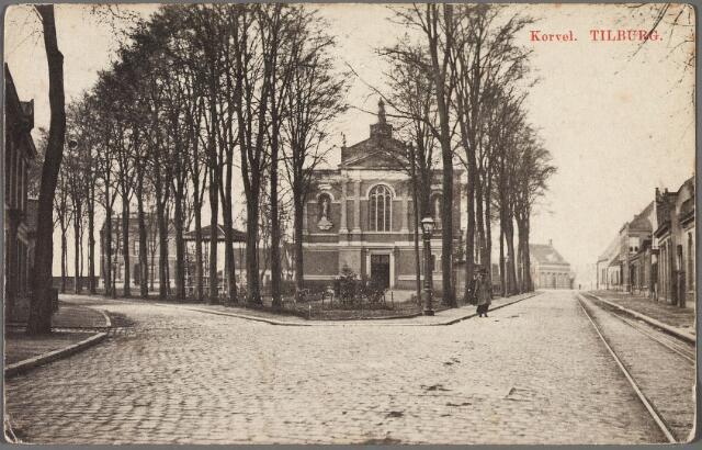 010222 - Korvel, vanaf 1941 Korvelplein in zuidelijke richting. Op het plein de parochiekerk van Korvel.