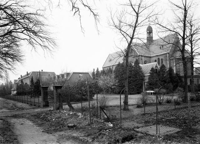 050694 - Huize `De Goede Herder´aan de Bredaseweg 273, Tilburg.