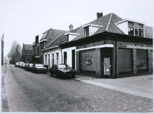 027558 - Oude Dijk 2-10 en hoek Van Doorenstraat