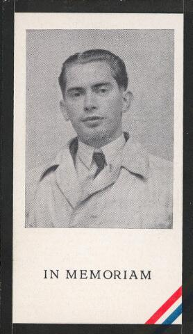 604523 - Aloijsius Gerardus G. Jeanson werd geboren op 28 juli 1921 in Tilburg en overleed in april 1945 in Bergen-Belsen.  Louis Jeanson was een verzetsman die door de Duitsers werd verdacht van hulpverlening aan piloten, Franse krijgsgevangenen en joden. Zijn groep bestond uit vier personen en hield zich ook bezig met het verspreiden van de illegale 'Trouw', sabotage, het aframmelen van NSB-ers en het stelen van wapens. Op 24 januari 1944 werd hij gearresteerd naar aanleiding van de mislukte aanslag op het munitiedepot in Oisterwijk. De SD bracht hem naar Den Bosch en vandaar werd hij later via de kampen Haaren en Vught naar Sachsenhausen overgebracht. Daarna hoorde zijn familie niets meer van hem.