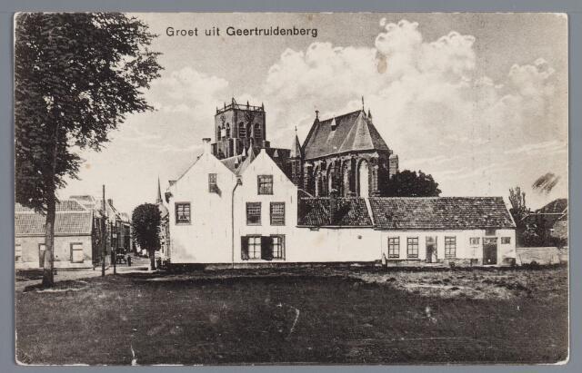 058112 - De wallen zijn geslecht en het woonhuis van dokter Berkensteyn aan de Brandestraat staat nu onbeschermd.